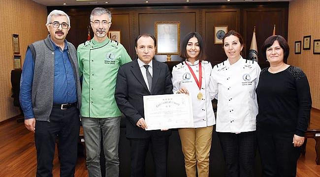 Karaboyun'dan 10 altın madalya 1 kupa