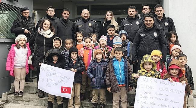 MİNİKLER ŞEHİT POLİSLERi ANDI