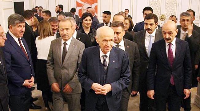 """""""TARİHE GEÇECEK MANİFESTO SUNDU"""""""
