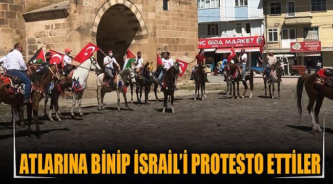 Atlarına binip İsrail'i protesto ettiler
