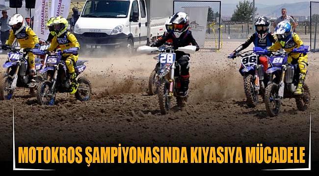 Motokros Şampiyonasında kıyasıya mücadele