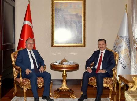 Milletvekili İşler Vali Mustafa Tutulmaz'ı Ziyaret Etti